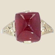 French 1930s Art Deco Sugar Loaf Ruby Diamond 18 Karat White Gold Ring