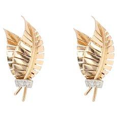 French 1940s Diamonds 18 Karat Yellow Gold Leaf Clip-on Earrings