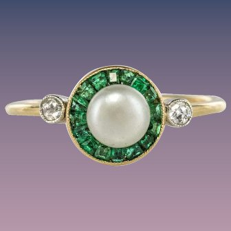 1920s Edwardian Natural Pearl Calibrated Emerald Yellow Gold Ring