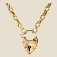 19th Century 18 Karat Yellow Gold Chiseled Chain Heart-Shaped Padlock Necklace