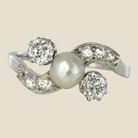 1900s French Natural Pearl Diamonds 18 Karat Gold Ring