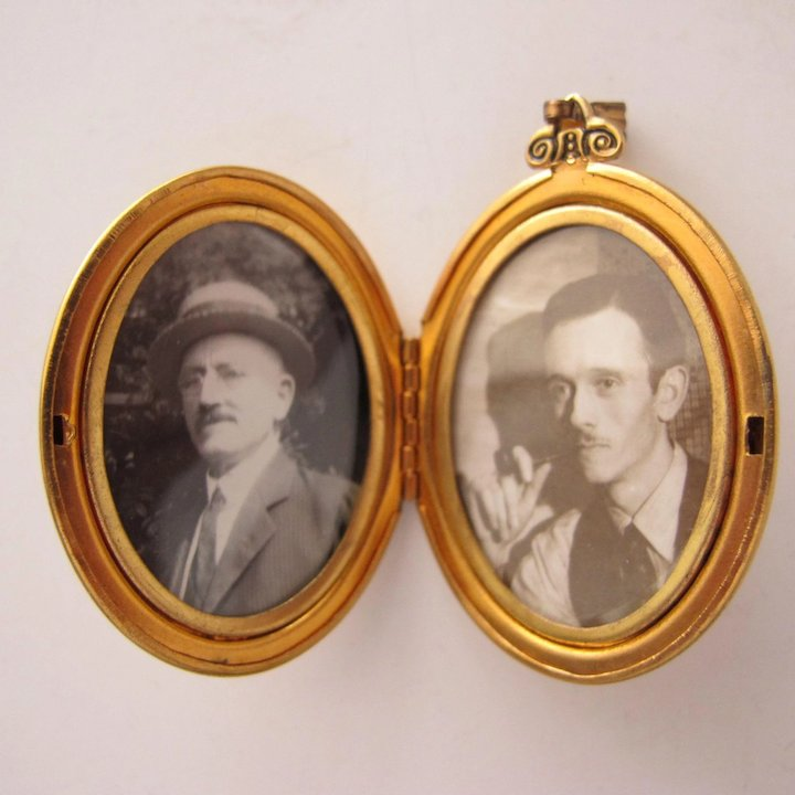 Vintage Locket Jeweled with Pictures in Double Frame : Time in a ...