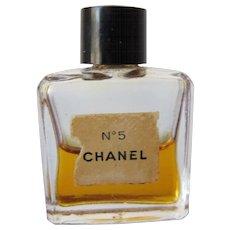 Mini Perfume Bottle of Chanel No 5 with Perfume Parfum