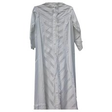 Victorian Era Robe in White Cotton with Lace and Pleats