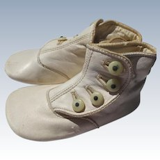 Baby Doll Shoes is Kid Leather Great Condition MOP Buttons