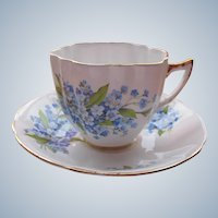 Porcelain Tea Cup Violets Royal Windsor Fine Bone China England EX Condition