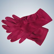 Magenta Pink Gloves Nylon Unworn 1970's USA