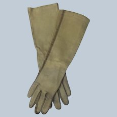 Kid Leather Gloves in Olive Green Size 7