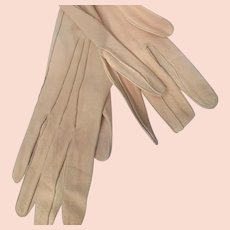 Opera Kid Gloves Suede with Buttons Chamois Soft Beige