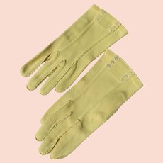 Yellow Gloves by Cresendoe Small MOP Button Unworn 6 1/2