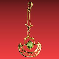ANTIQUE Victorian Yellow Gold PERIDOT Lavaliere Lavalier