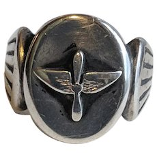 WW2 Sterling PILOT Ring Wings Propeller