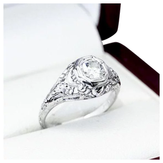 "Vintage Diamond and ""18K"" White Gold Engagement Ring, with Beautiful Filigree Setting"