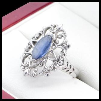 Very nice Platinum & Palladium Filigree ring with Marquise Sapphire