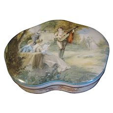 Lovely Vintage British Biscuit Tin, SERENADE, Huntley & Palmers