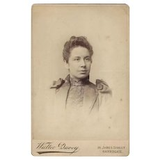 Victorian Photograph Cabinet Card Young Woman
