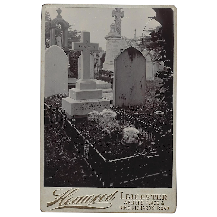 Unusual Cabinet Photograph of a Grave in a Cemetery on