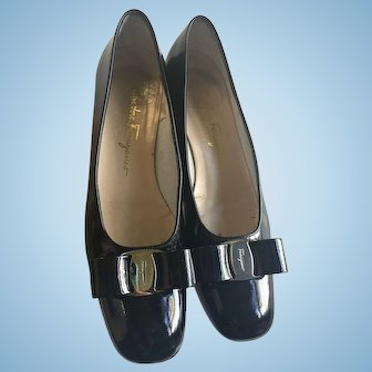 Salvatore Ferragamo Black flat shoe with a small heel