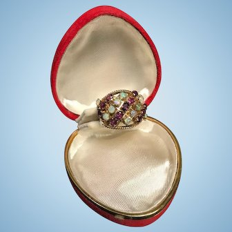 Beautiful Old-school Gold Ring with Rubies and Opals
