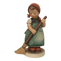 Vintage Hummel Figurine #171 Little Sweeper Goebel W. Germany