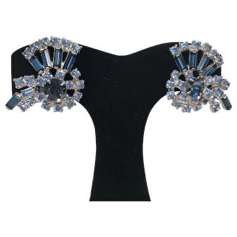 Vintage 1960's Unsigned Beautiful Blue Rhinestone Earrings