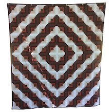 Vintage Pennsylvania Hand Quilted log Cabin Quilt