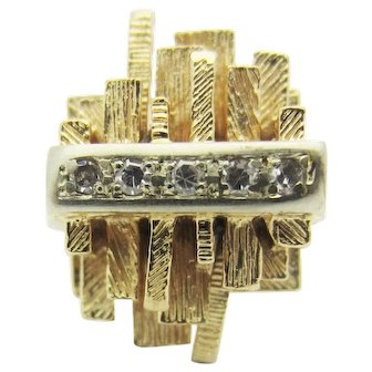 Retro Textured Wood Plank Diamond Cocktail Ring