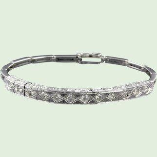 Modern 14k golden bracelet with diamonds