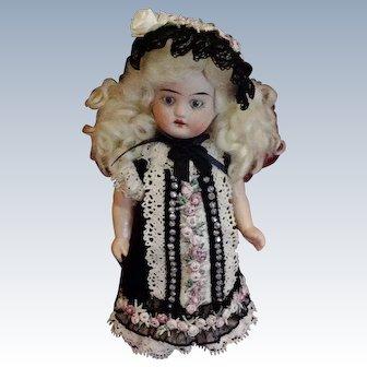 Exquisite French Antique Danel et Cie Doll