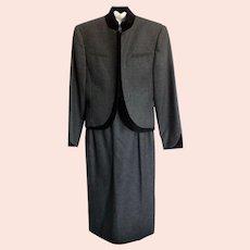 Vintage Louis Féraud Charcoal Grey Wool Suit with Black Velvet Trim-size 12