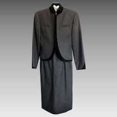 Vintage Louis Féraud Charcoal Grey Wool Suit with Black Velvet Trim-size 12