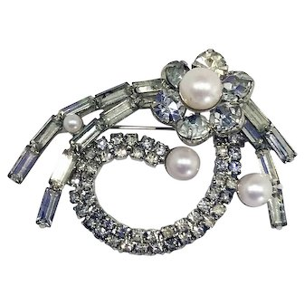 Mid-Century Vintage Crystal Rhinestone and Faux Pearl Silvertone Brooch