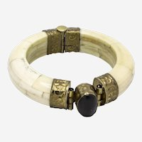 1970s Vintage Handmade Bone Hinged Bangle with Onyx Focal