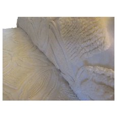 Single Chenille Bedspread with Fringe.  Vintage Twin Bed Cover. Creamy Colored with Loads of Chenille. Wedding Ring Design.