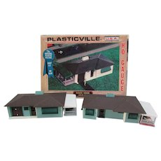 2 Plasticville, USA.  HO Gauge Ranch Homes.  2618-100.  Two Ranch Homes in One Box. Bachmann Brothers.