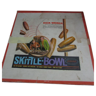 Vintage Skittle Bowl in Original Box. Family or Party Game.  1969 by Aurora