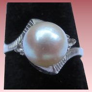 Sleek Mid Century 18k White Gold Pearl and Diamond Vintage Ring