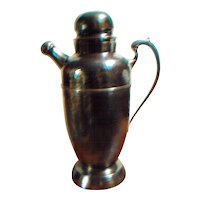 Deco hammered shaker