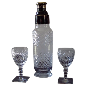 Crystal Shaker With Two Stems