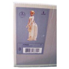 "Collectible Lladro Procelain  Figurine #7622,  "" Basket of Love"""