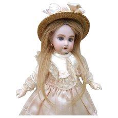 Very nice small Jumeau Bebe 1907