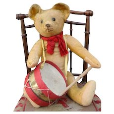 Adorable antique Steiff musician bear.