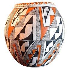 Beautiful Acoma Native American Pottery Jar