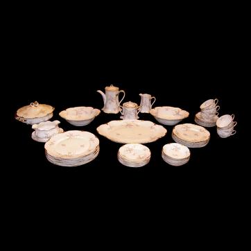 Avon Rose dinner plate set.