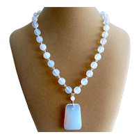 Pendant necklace of Opaline Glass