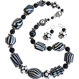 """Necklace of Hand Crafted Black and White Glass Beads, 21"""""""