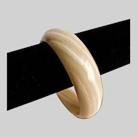 Caramel and Cream Colored Natural Banded Onyx Bangle Bracelet
