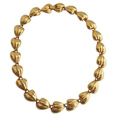 Vintage Puffed Linked Leaves Gold Tone Necklace, 18 inches