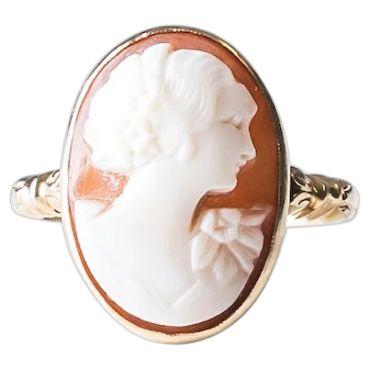 Antique Shell Cameo Ring with Flower Details and Bow Design in 10K Gold