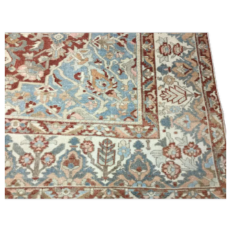 Decorative Persian Heriz / serapi Rug